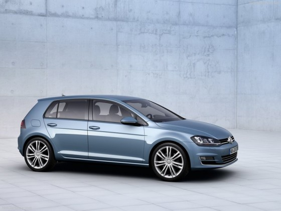 Volkswagen-Golf_2013_800x600_wallpaper_09